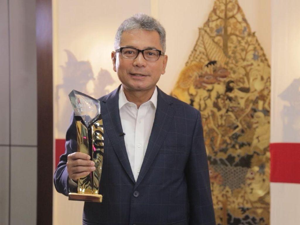 BRI Diganjar Penghargaan Best CEO & Best Innovative Company