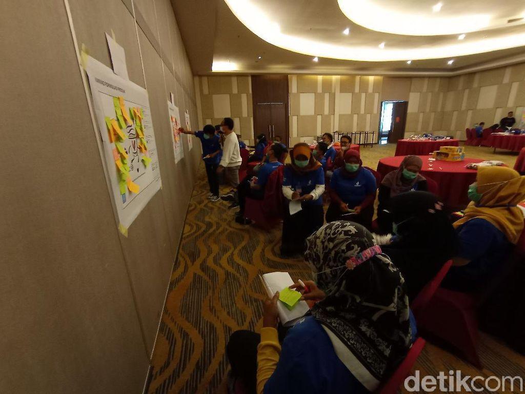 Eks Pekerja Migran di Cirebon Dibekali Kemampuan Bisnis Digital