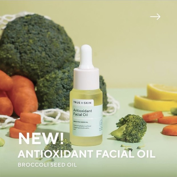 True to Skin Antioxidant Facial Oil dengan 3 key ingredients.