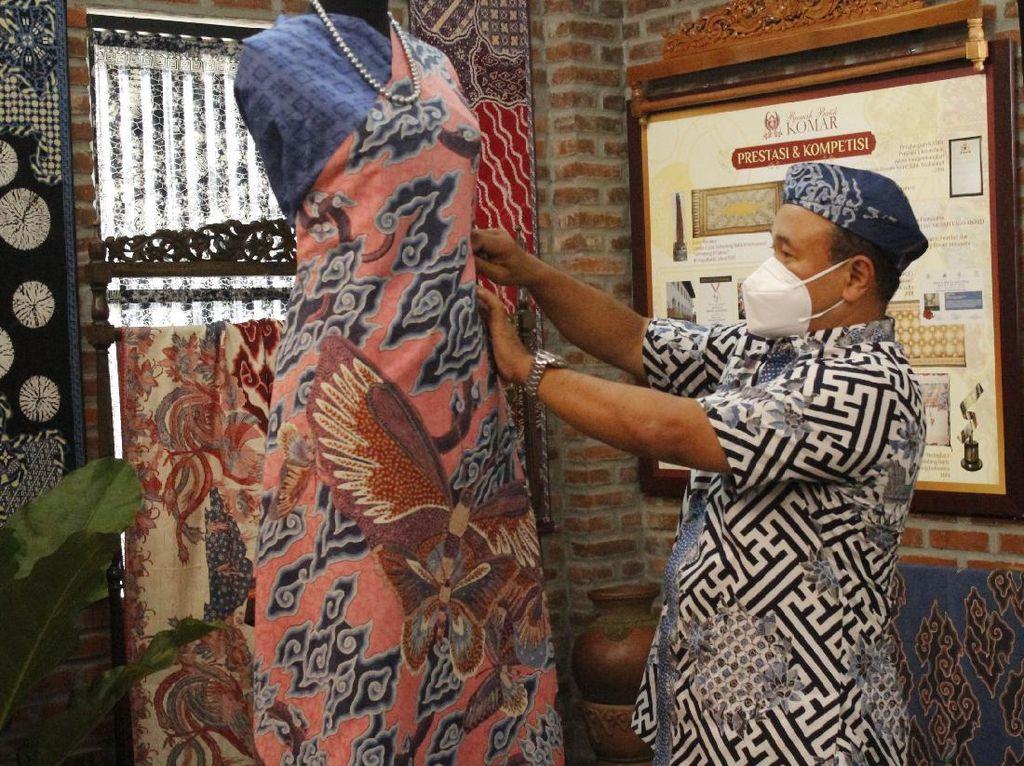 Tolong! Pandemi Bikin Batik Indonesia Terancam Punah