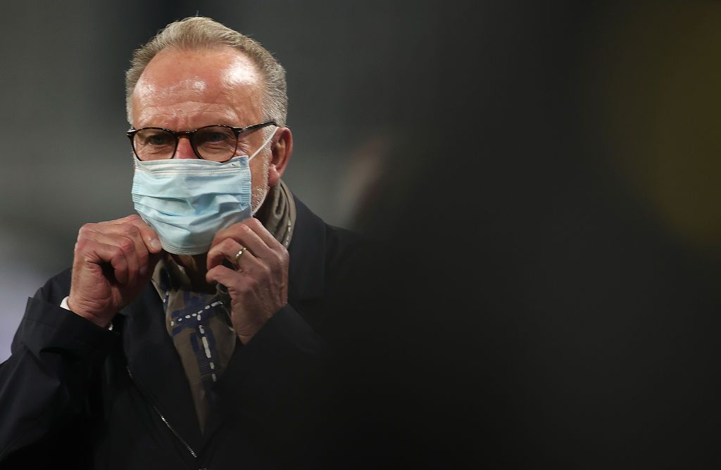 DORTMUND, GERMANY - NOVEMBER 07: CEO Karl-Heinz Rummenigge of Muenchen looks on prior to the Bundesliga match between Borussia Dortmund and FC Bayern Muenchen at Signal Iduna Park on November 07, 2020 in Dortmund, Germany. Sporting stadiums around Germany remain under strict restrictions due to the Coronavirus Pandemic as Government social distancing laws prohibit fans inside venues resulting in games being played behind closed doors. (Photo by Friedemann Vogel - Pool/Getty Images)