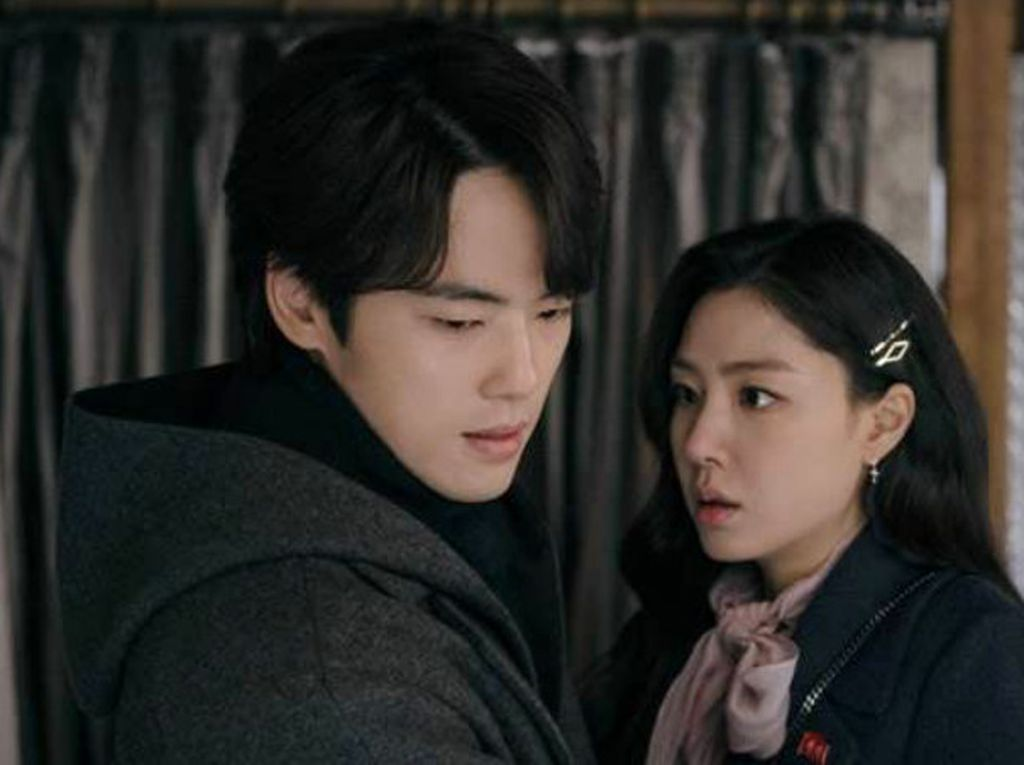 Bantah Pacaran, Foto Kebersamaan Seo Ji Hye-Kim Jung Hyun Beredar