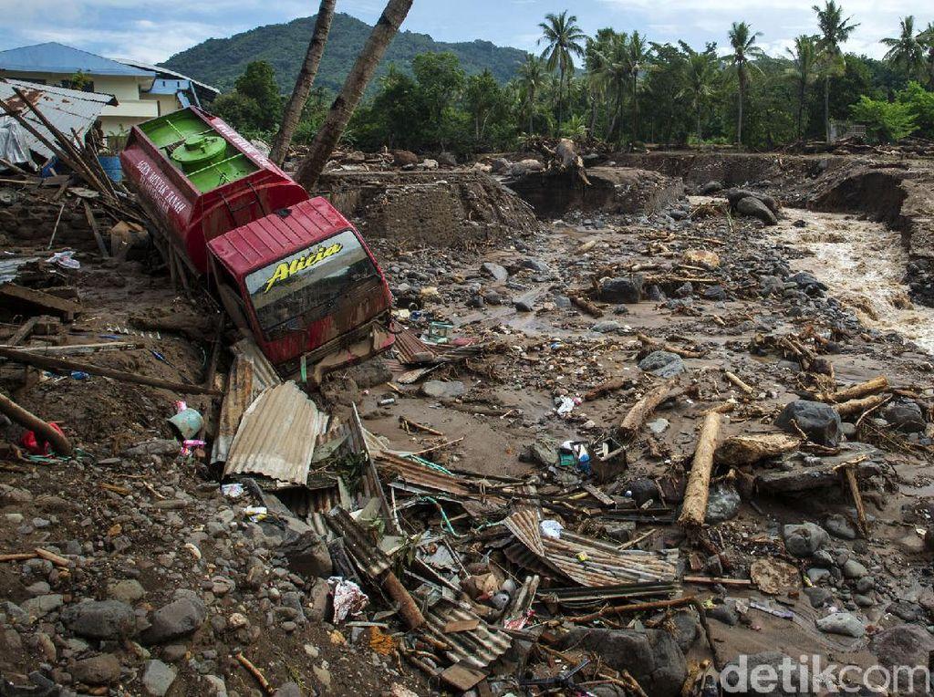 Ketua Komisi III Desak Pemerintah Cepat Relokasi Korban Bencana NTT