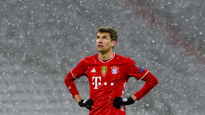 Bayern Munichs German forward Thomas Mueller reacts during the UEFA Champions League quarter-final first leg football match between FC Bayern Munich and Paris Saint-Germain (PSG) in Munich, southern Germany, on April 7, 2021. (Photo by Christof STACHE / AFP)