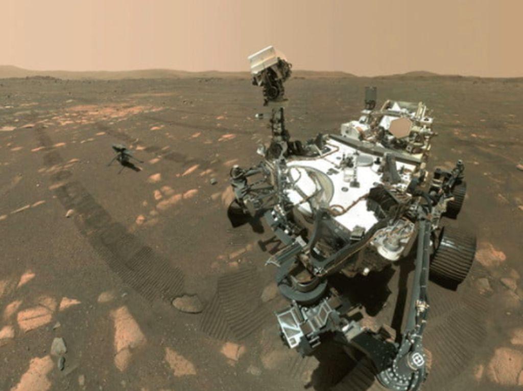 Robot Perseverance Selfie Bareng Helikopter di Planet Mars