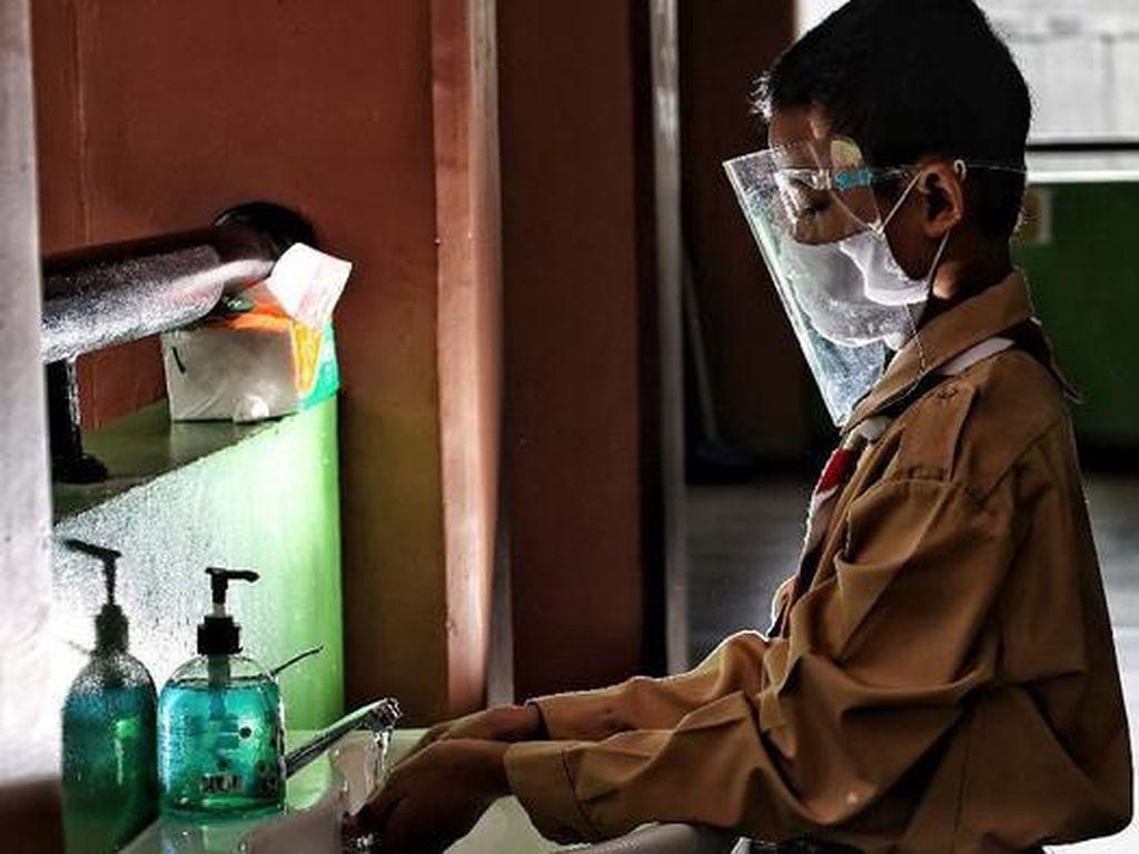 Ortu Sudah Dapat Vaksin COVID-19 Tapi Anak Belum, Aman Berkegiatan di Luar?