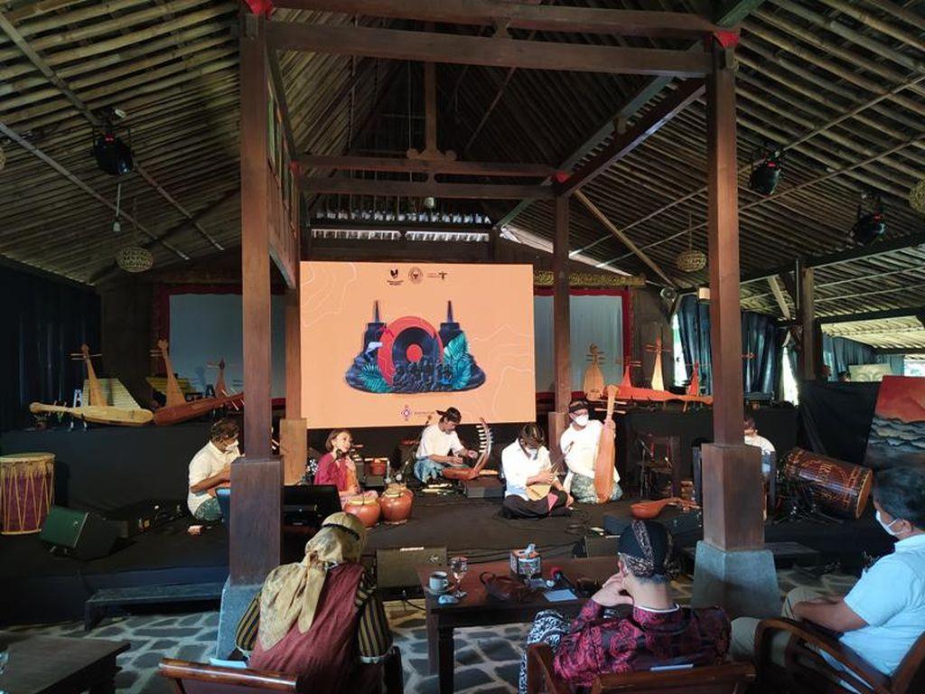 Sound of Borobudur Mainkan Alat Musik yang Ada di Relief Candi Borobudur