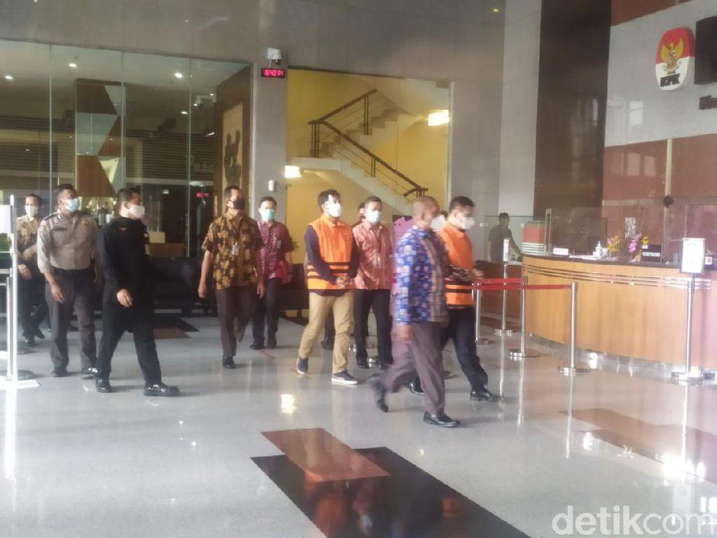 KPK Tahan Bupati Bandung Barat Aa Umbara dan Anaknya!