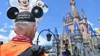 Tidak Mengejar Medali, Pria Ini Berlari Ribuan Km dari Disneyland ke Disney World