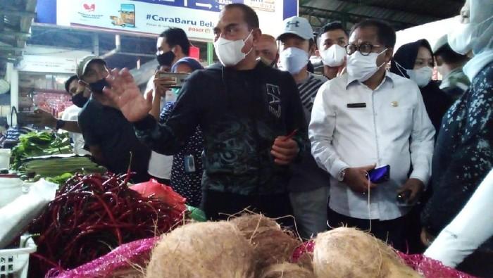Gubsu Edy Rahmayadi saat mengecek pasar di Medan