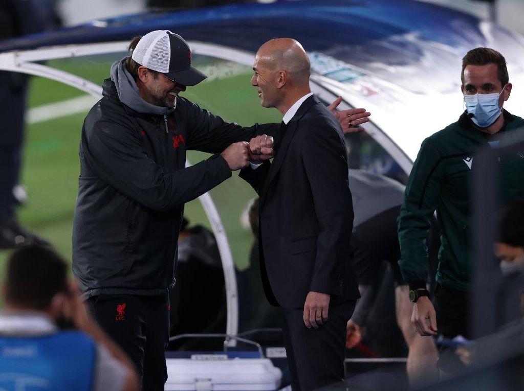 Klopp Sindir Stadion Real Madrid, Zidane Balas Begini