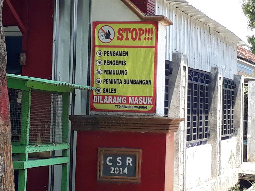 Sering Didatangi Pengemis-Sales, Warga Kampung Miliarder Tuban Tutup Pintu