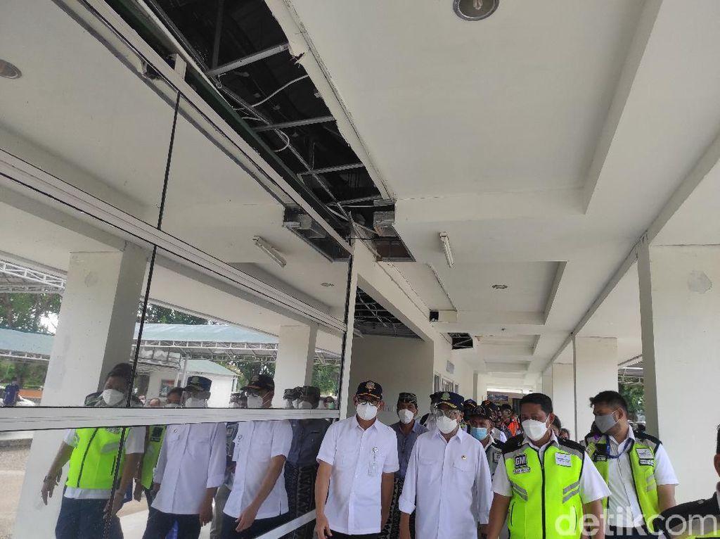 Menhub Tinjau Kerusakan Bandara El Tari Kupang Akibat Siklon Tropis Seroja