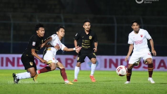 PSIS vs PSM di perempatfinal Piala Menpora 2021 yang digelar di Stadion Kanjuruhan, Kabupaten Malang, Jumat (9/4/2021)