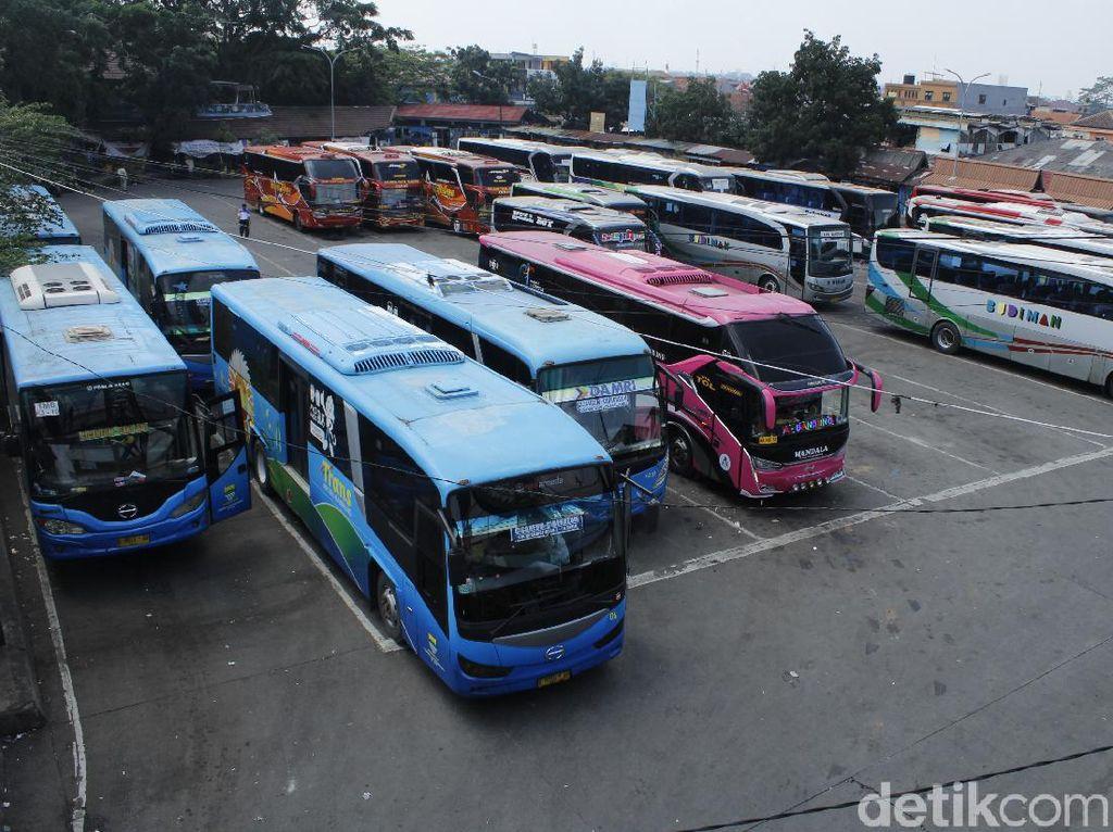 Jeritan Sopir Bus di Tengah Larangan Mudik Lebaran