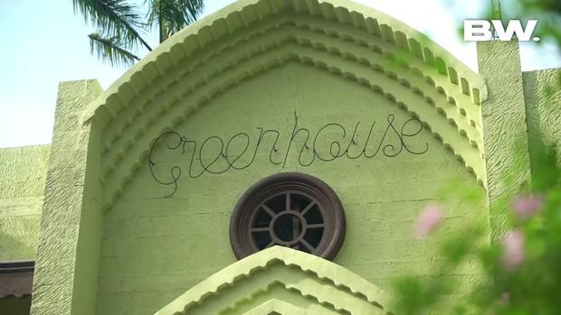 Green House menjadi warna utama rumah Tasya Farasya/yotube.com/boywilliam