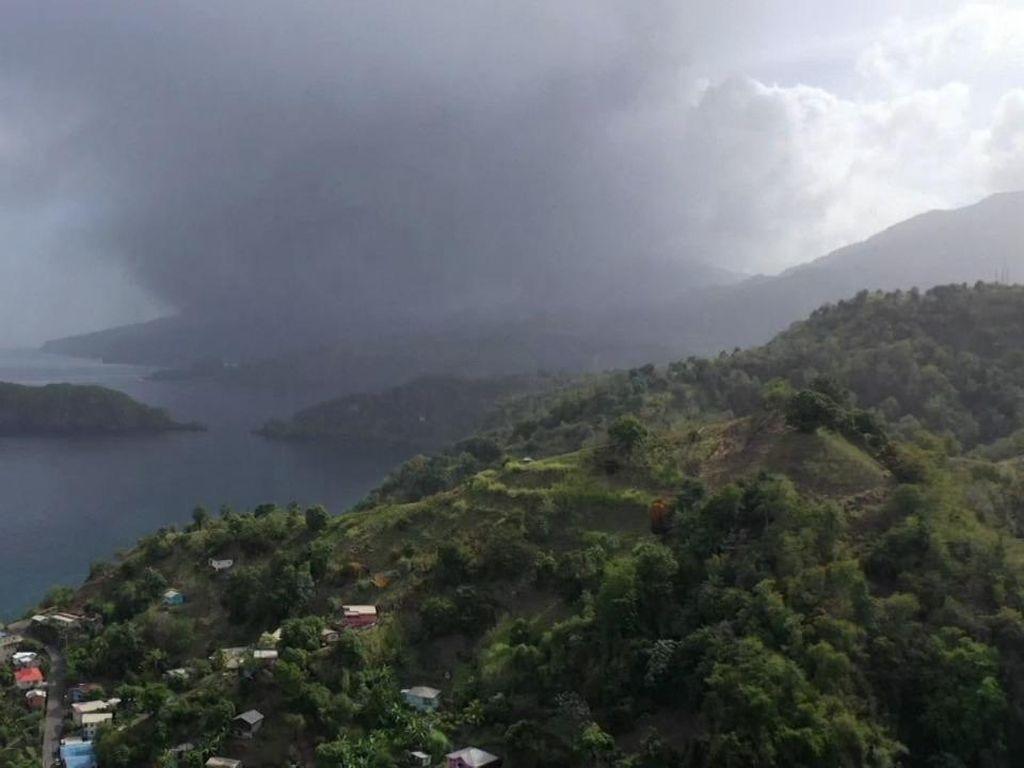 Gunung La Soufriere St. Vincent Meletus