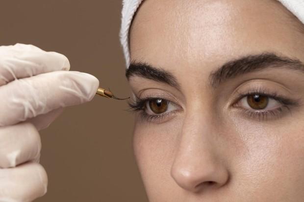 Ilustrasi eyelash extension.