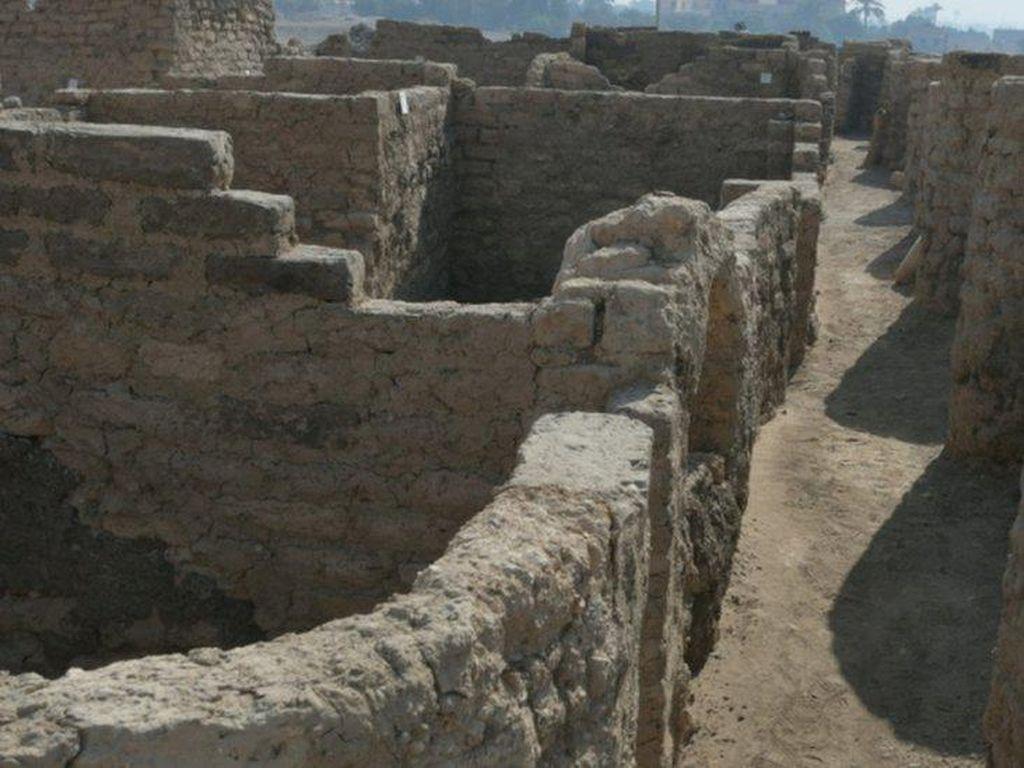 Kota Emas Berusia 3.000 Tahun Jadi Temuan Terpenting Usai Makam Tutankhamun