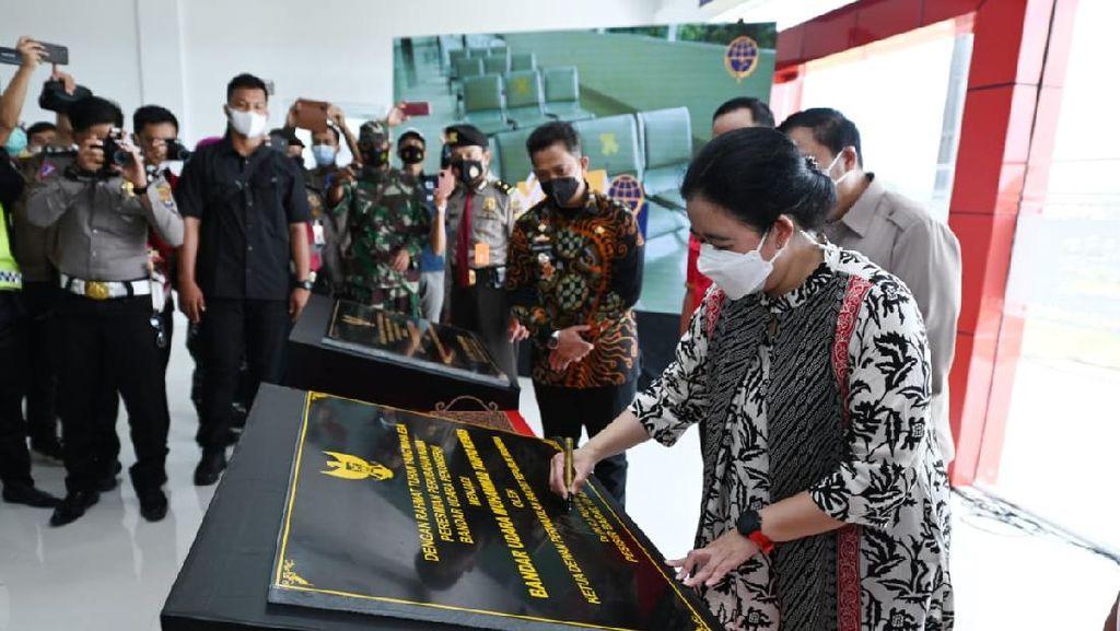 Potret Ketua DPR Resmikan Bandara Taufiq Kiemas
