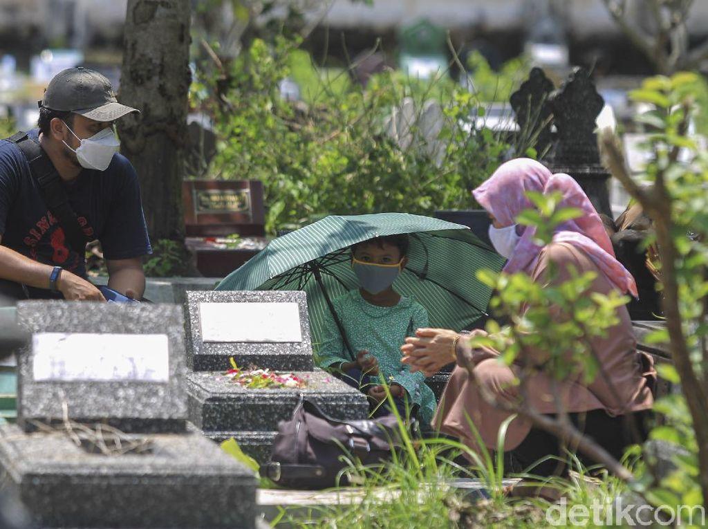Ziarah Kubur di Ciamis Diizinkan, Sekda: Taat Protokol Kesehatan