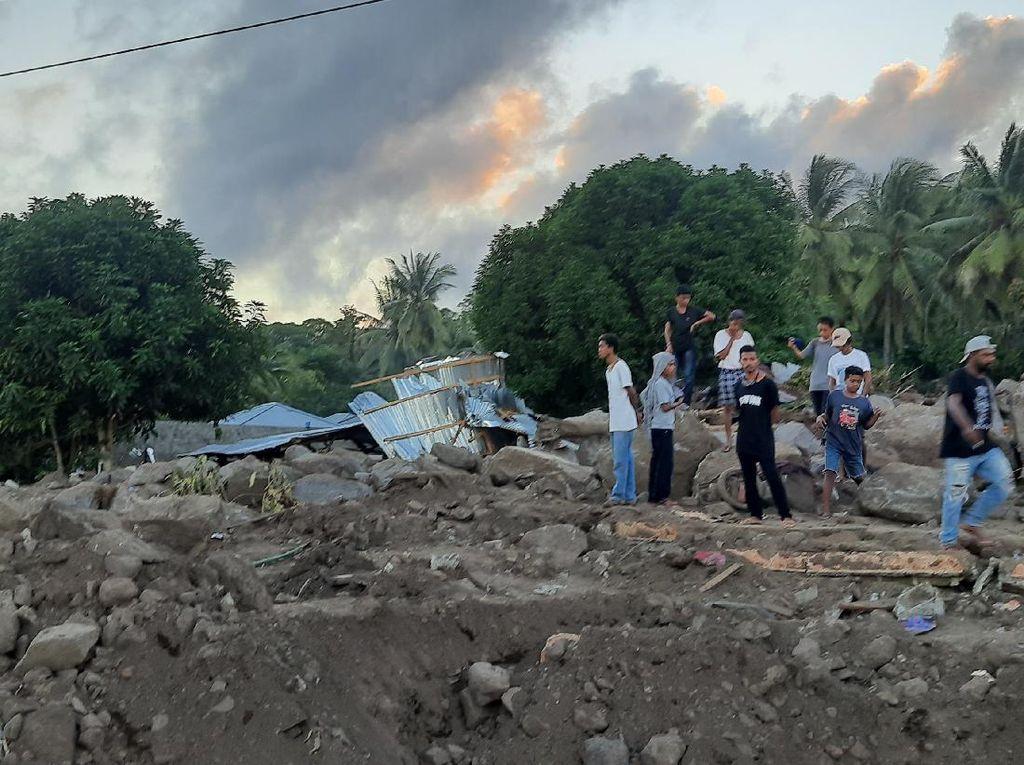 Sepekan Berlalu, Jejak Siklon Seroja Masih Tampak di Desa Nelelamandike