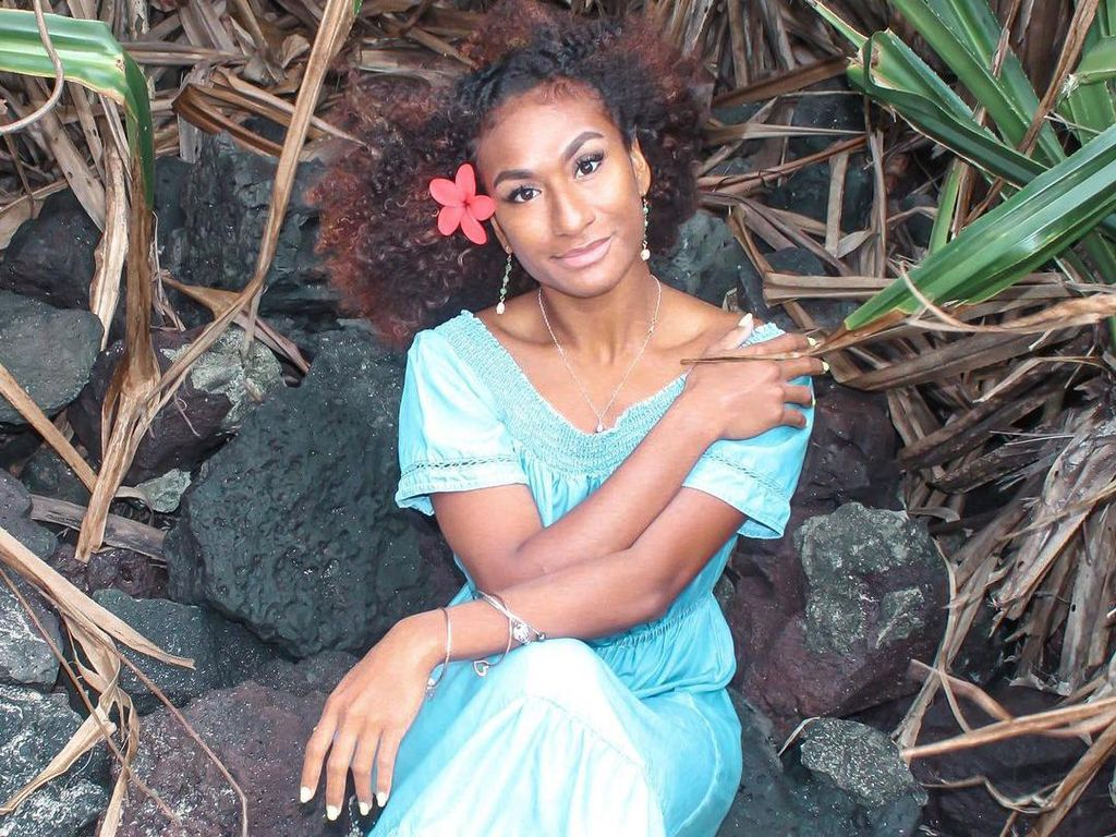 10 Foto Miss Papua New Guinea yang Mahkotanya Dicopot karena Joget TikTok