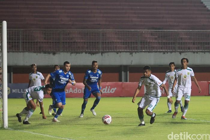 Persib Bandung berhasil melaju ke babak semifinal Piala Menpora 2021 usai memenangi duel klasik melawan Persebaya Surabaya, Minggu (11/4/2021).  Pius Erlangga/detikcom