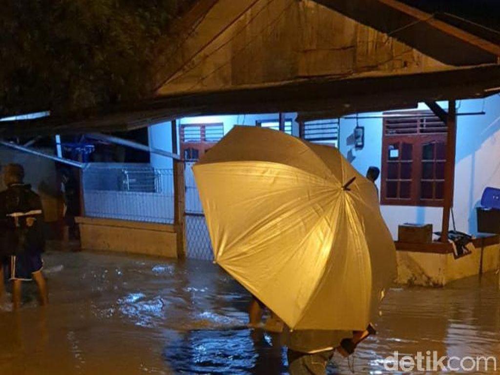 Banjir Rendam Puluhan Rumah di Desa Wadas Karawang