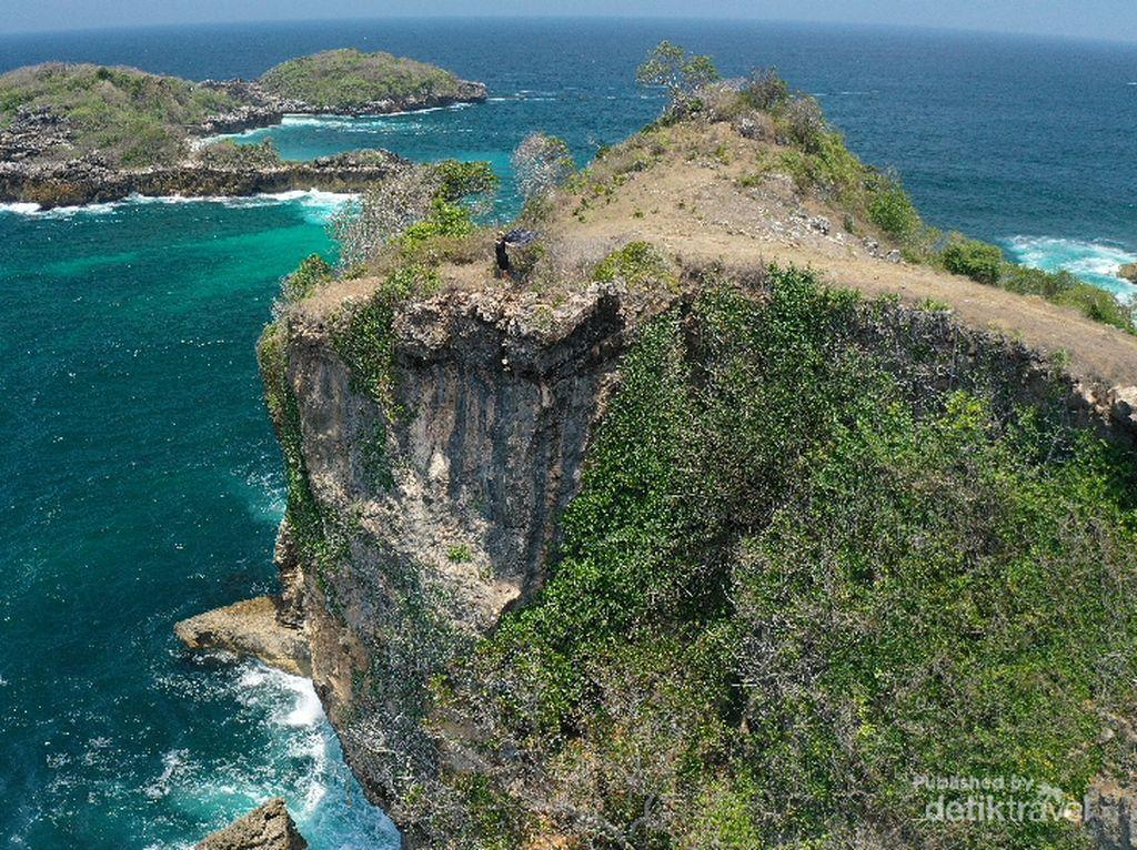 Bukan Nusa Penida, Pemandangan Cantik Ini Ada di Blitar
