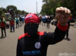 Imbas PPKM, Nyaris 50% Pekerja di Jawa-Bali Terancam PHK dan Dirumahkan