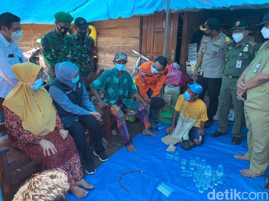 Khofifah Targetkan Perbaikan Rumah Rusak Dampak Gempa Malang Maksimal 2 Bulan