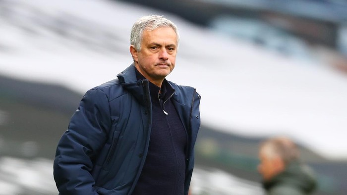 LONDON, ENGLAND - APRIL 11: Jose Mourinho, Manager of Tottenham Hotspur reacts during the Premier League match between Tottenham Hotspur and Manchester United at Tottenham Hotspur Stadium on April 11, 2021 in London, England. Sporting stadiums around the UK remain under strict restrictions due to the Coronavirus Pandemic as Government social distancing laws prohibit fans inside venues resulting in games being played behind closed doors. (Photo by Clive Rose/Getty Images)