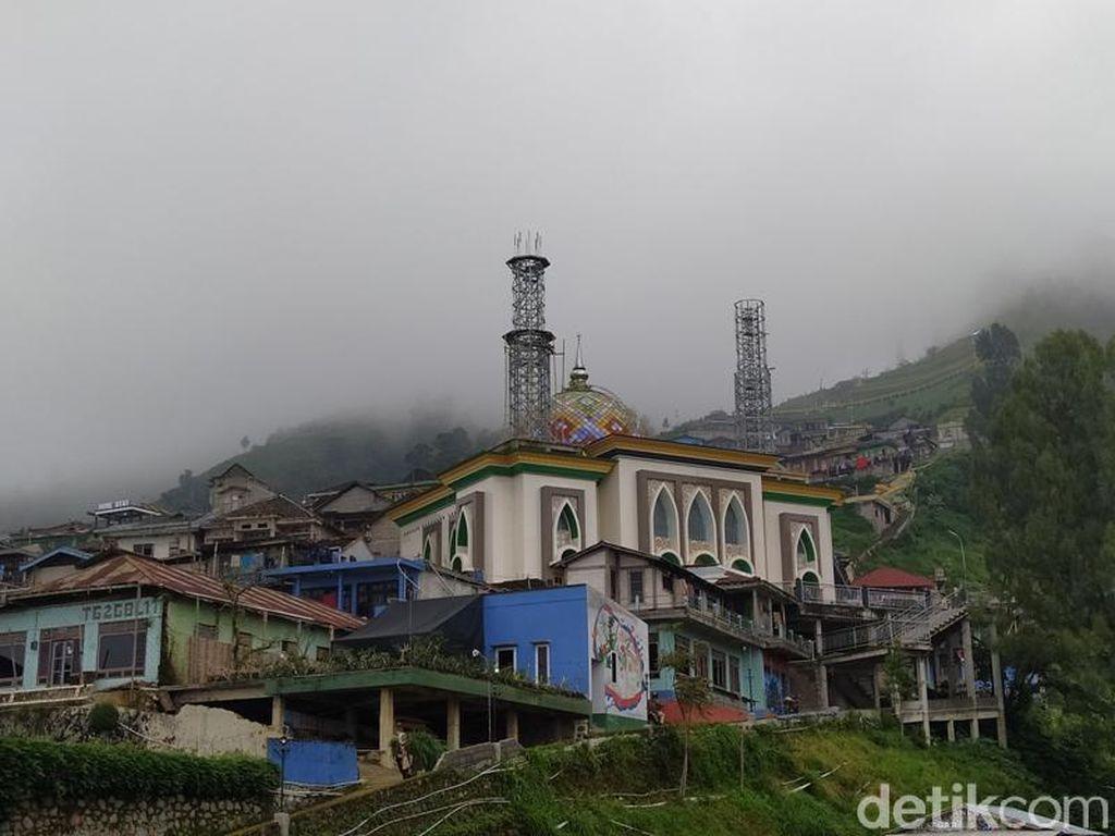 Masjid Nepal Van Java Magelang Jadi Salah Satu Spot Selfie