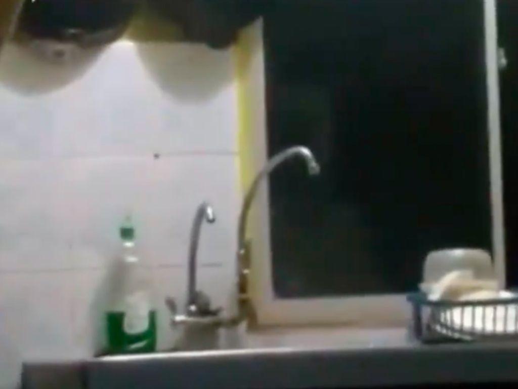 Fakta Kurma Ajwa hingga Seramnya Bayangan Pocong di Dapur