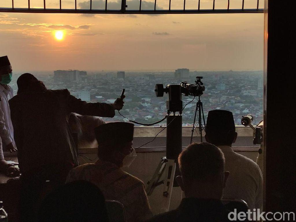Pantauan Hilal di Masjid Agung Jateng Tertutup Awan