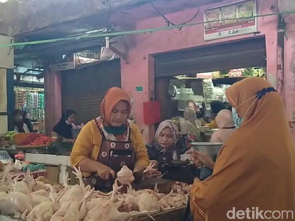 Jelang Ramadhan, Harga Daging Ayam di Jabar Tembus Rp 50 Ribu