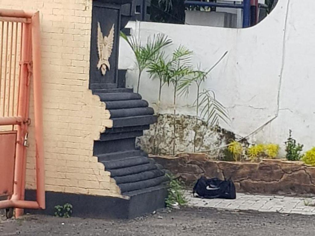 Tas Mencurigakan Ditemukan di Halaman Gedung DPRD Kota Kediri