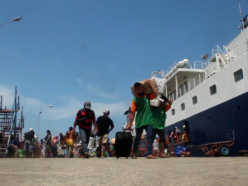 Suasana Mudik Sudah Terlihat di Pelabuhan Nusantara Parepare