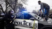 Amukan Warga AS Usai Polisi Tembak Mati Pria Kulit Hitam di Jalanan