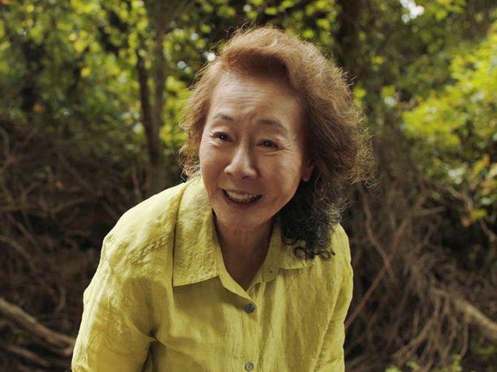 Yuh Jung Youn Merasa Terbebani Masuk Nominasi Oscar