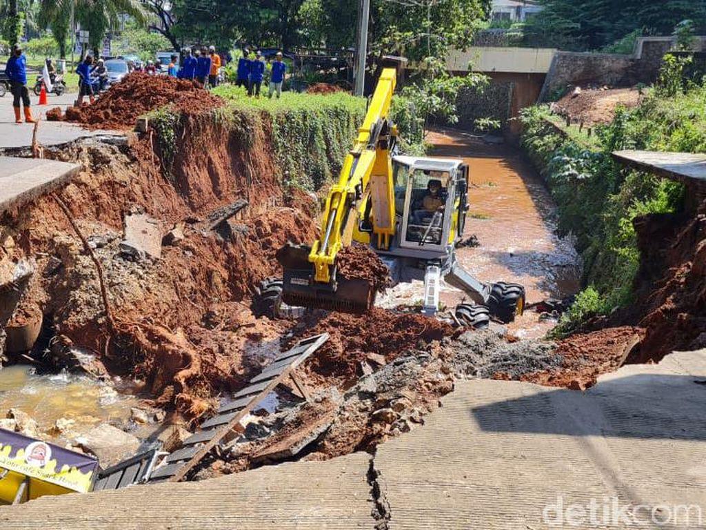 Jalan GDC Ambles, Dinas PUPR : Proses Normalisasi Sungai 3-4 Hari