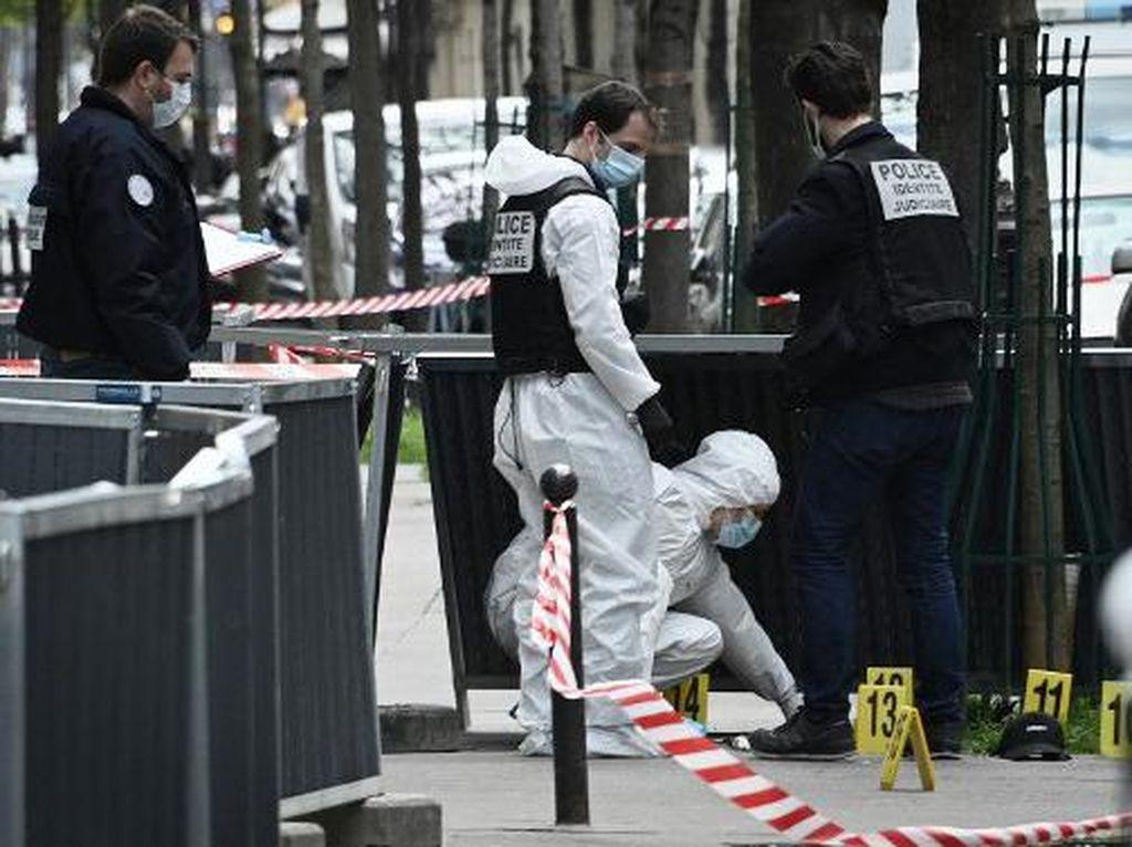 Pelaku Penembakan Brutal di Depan RS Paris Tengah Diburu Polisi