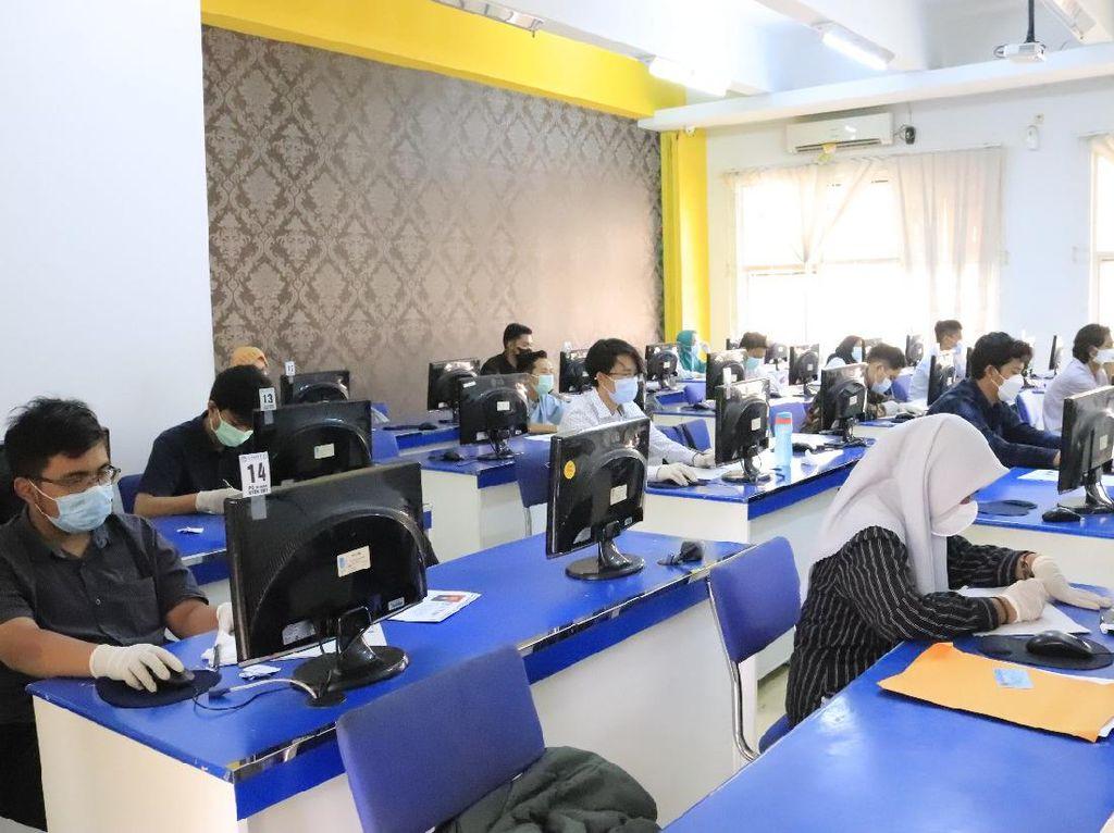 Evaluasi UTBK SBMPTN Gelombang I: Ada Peserta Bawa HP ke Ruang Ujian