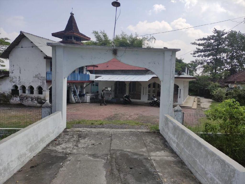 Masjid Tua di Sidoarjo Ini Masih Gunakan Jam Matahari untuk Waktu Salat