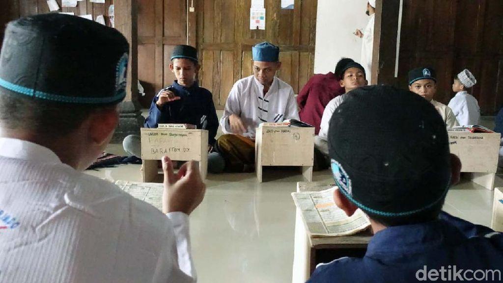Ponpes Tunarungu di Sleman Ini Pencetak Hafiz Quran