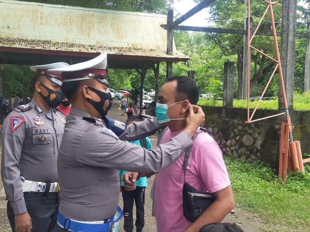 Patroli di Obyek Wisata, Polres Sumbawa Cek Prokes Pengunjung