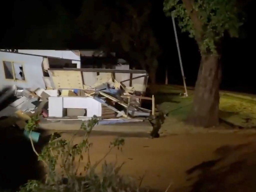 Siklon Seroja Sampai ke Australia, Rumah Warga Hancur dan Listrik Mati