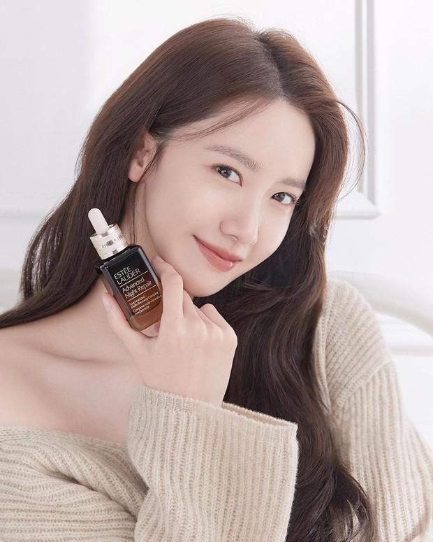 Yoona dalam iklan Estée Lauder