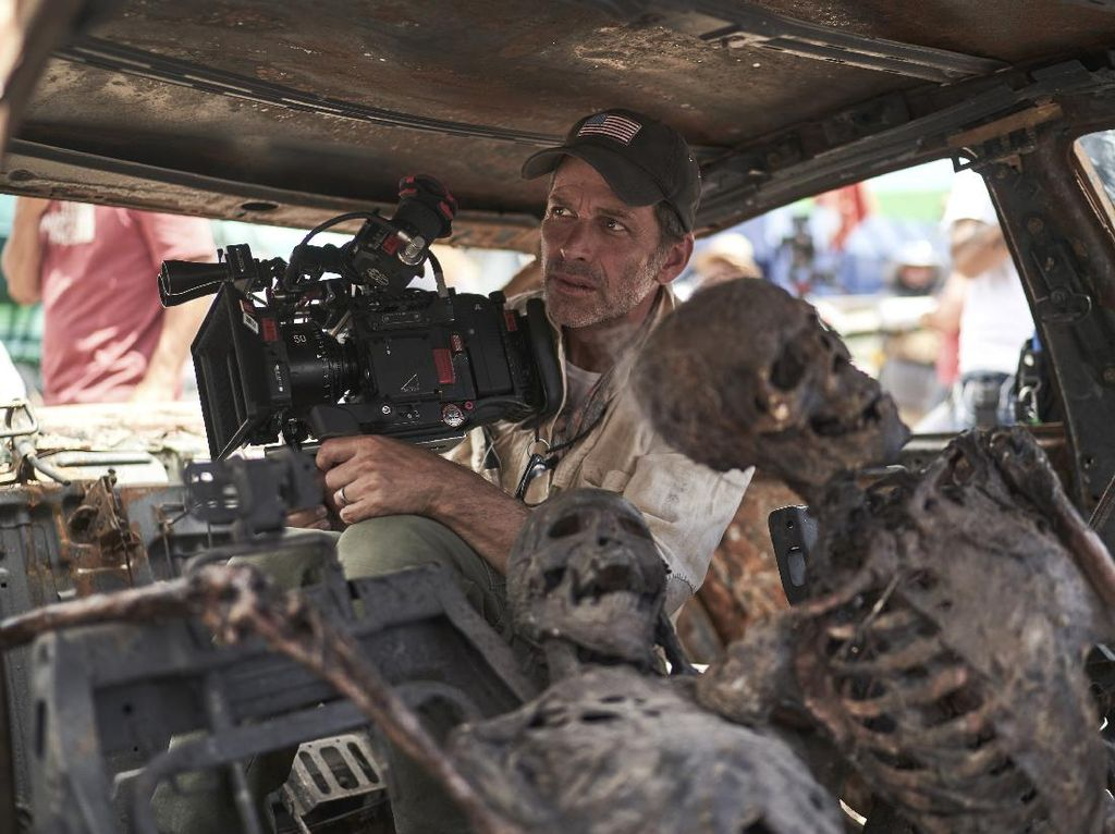 Zack Snyder Anti Ada Kursi di Lokasi Syuting